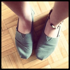 Toms Melissa To and Fro